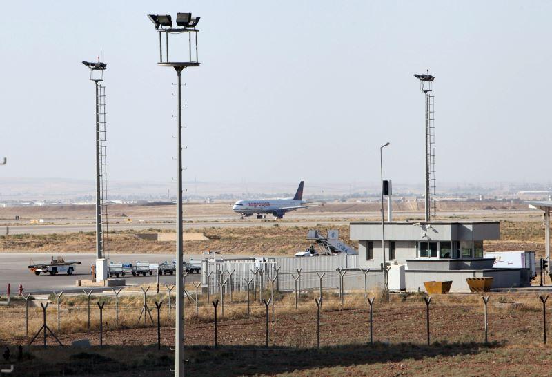 A plane is seen at the Erbil International Airport in Erbil, Iraq September 29, 2017. Credit: Reuters/Azad Lashkari