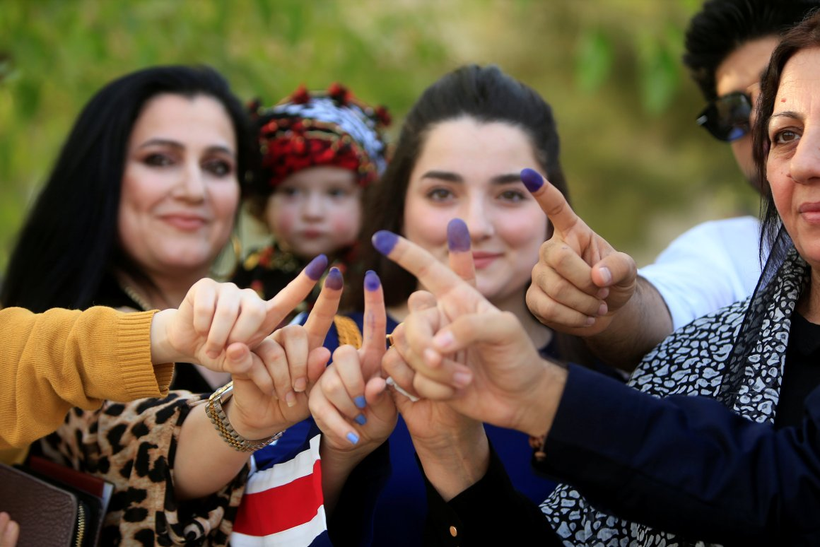 Women show their ink-stained fingers during Kurds independence referendum in Sulaimaniyah, Iraq September 25, 2017. Credit: Reuters/Alaa Al-Marjani
