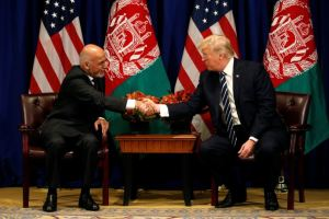 U.S. President Donald Trump meets with Afghan President Ashraf Ghani during the U.N. General Assembly in New York, U.S., September 21, 2017. Credit: Reuters/Kevin Lamarque