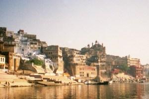 Ghats in Varanasi. Credits: Ryan/Flickr CC BY 2.0