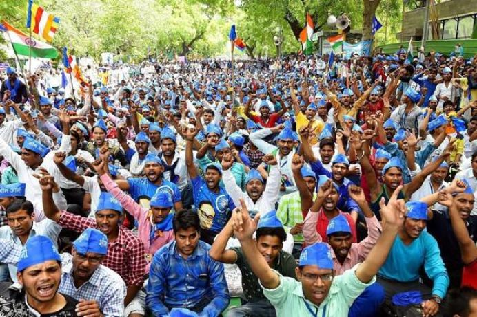 Bhim Army supporters hold a protest at Jantar Mantar. Credit: PTI