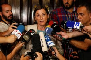 Catalan regional Parliament speaker Carme Forcadell speaks to reporters inside the Parliament of Catalonia in Barcelona, Spain, October 5, 2017. Credit: Reuters/Yves Herman