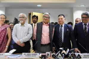 Bibek Debroy, chairman, Economic Advisory Council to the Prime Minister (EAC-PM) with members Ratan P. Watal, Rathin Roy, Surjit Bhalla and Ashima Goyal during a press conference in New Delhi on Wednesday. Credit: PTI/Subhav Shukla