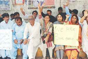 Activists protest Punhal Sario's disappearance | Credit: Dawn.com