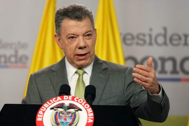 Colombia's President Juan Manuel Santos speaks during a news conference in Bogota, Colombia October 27, 2017. Credit: Reuters/Jaime Saldarriaga