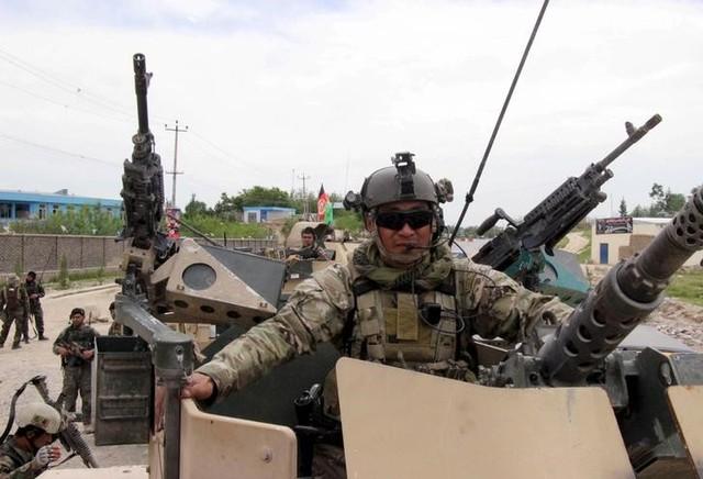 Afghan security forces arrive for battle with the Taliban in Kunduz province, Afghanistan, April 16, 2016. Credit: Reuters/Stringer/Files