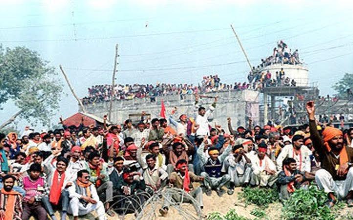 Karsevaks at the Babri Masjid on December 6, 1992. Credit: Reuters