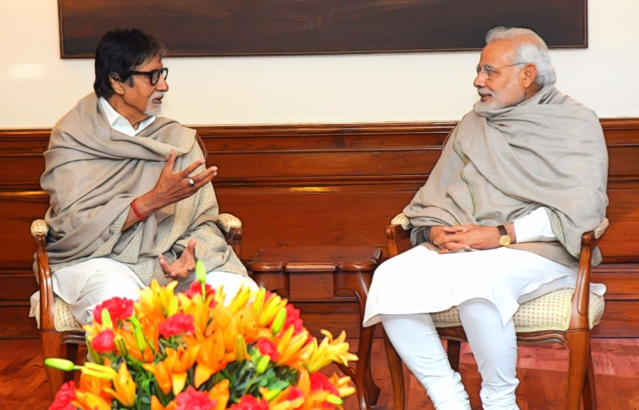 Amitabh Bachchan Modi Photo By PIB