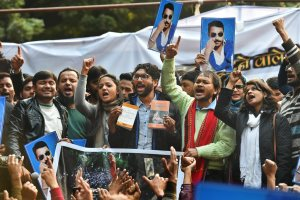 New Delhi: Dalit leader and Gujarat MLA Jignesh Mevani, Shehla Rashid Shora, Kanhaiya Kumar and farmers leader Akhil Gogoi during Youth Hunkar rally in New Delhi on Tuesday. PTI Photo by Kamal Kishore