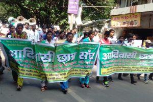 झारखंड लोक सेवा आयोग की मुख्य परीक्षा आयोजित न करने के विरोध में युवा राज्य सरकार के ख़िलाफ़ प्रदर्शन कर रहे हैं. (फाइल फोटो: नीरज सिन्हा)