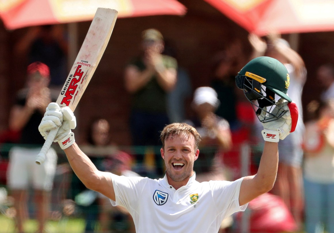 Cricket - South Africa vs Australia - Second Test - St George's Park, Port Elizabeth, South Africa - March 11, 2018. South Africa's AB de Villiers celebrates his century. REUTERS/Mike Hutchings - RC18819DA7A0