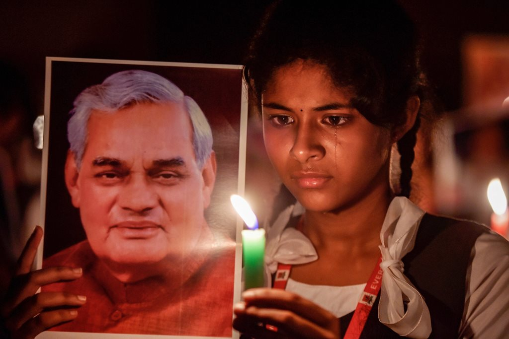 Chennai: Students participate in a candlelight vigil to pay tribute to former prime minister Atal Bihari Vajpayee in Chennai, on Thursday, Aug. 16, 2018. Vajpayee, 93, passed away at AIIMS hospital after a prolonged illness. (PTI Photo) (PTI8_16_2018_000266B)