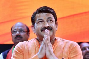 New Delhi: Delhi Pradesh BJP President Manoj Tiwari at the Delhi BJP executive committee meet at Dr Ambedkar International Centre, in New Delhi, Saturday, Sept 22, 2018. (PTI Photo/Manvender Vashist) (PTI9_22_2018_000020B)