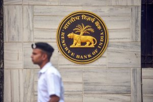 Mumbai: A security person walks past the RBI Headquarters in Mumbai, Monday, November 19, 2018, ahead of a crucial board meeting of the Reserve Bank of India. (PTI Photo/Shashank Parade) (PTI11_19_2018_000067B)