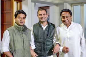 New Delhi: Congress President Rahul Gandhi flanked by Madhya Pradesh Congress leaders Jyotiraditya Scindia (L) and Kamal Nath pose for photos after a meeting, in New Delhi, Thursday, Dec. 13, 2018. (PTI Photo)(PTI12_13_2018_000192B)