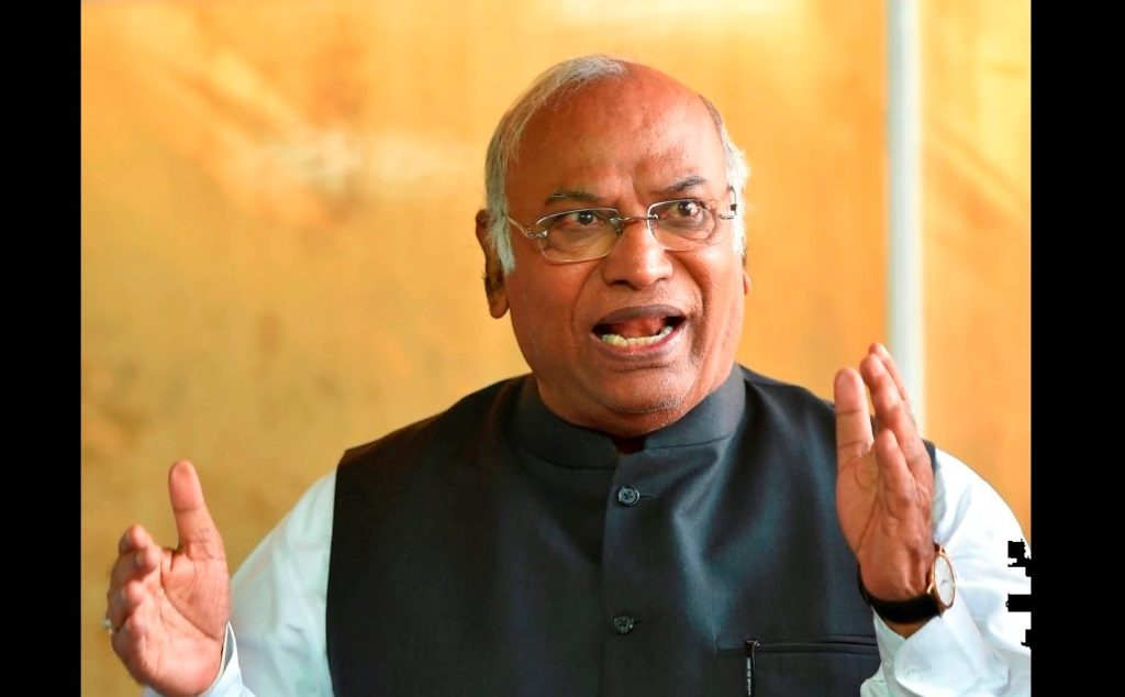 New Delhi: Congress Parliamentary Party leader Mallikarjun Kharge addresses the media during the Winter Session of Parliament, in New Delhi, Friday, Dec.14, 2018. (PTI Photo/Kamal Kishore)(PTI12_14_2018_000039B)