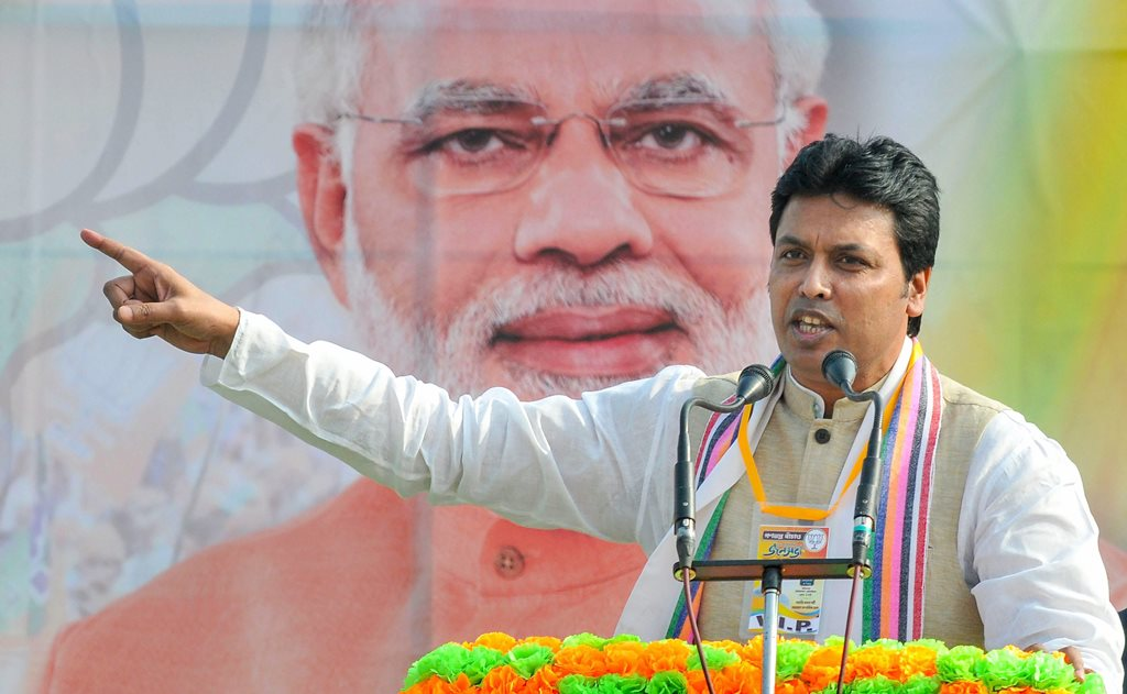 Hooghly: Tripura Chief Minister Biplab Kumar Deb addresses a rally, at Arambagh in Hooghly, Tuesday, Jan. 29, 2019. (PTI Photo) (PTI1_29_2019_000073B)