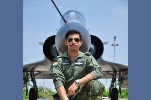 भारतीय वायुसेना के पायलट समीर अबरोल (फोटो साभार: फेसबुक/सुशांत अबरोल)