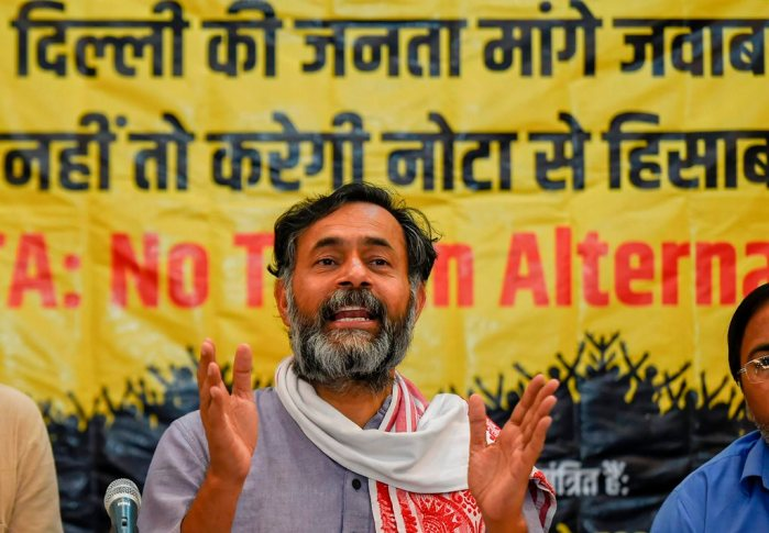 New Delhi: Swaraj India President Yogendra Yadav addresses a press conference regarding Delhi's Lok Sabha elections, in New Delhi, Saturday, April 20, 2019.(PTI Photo/Kamal Singh) (PTI4_20_2019_000103B)