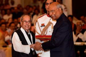 New Delhi: President Ram Nath Kovind confers Bharat Ratna upon former president Pranab Mukherjee during a ceremony at Rashtrapati Bhavan, in New Delhi, Thursday, Aug 8, 2019. (PTI Photo/Kamal Singh) (PTI8_8_2019_000132B)