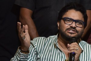Kolkata: Union Minister Babul Supriyo addresses media during the launch of  'Khola Hawa' initiative in Kolkata, Thursday, Sept. 26, 2019. (PTI Photo/Swapan Mahapatra)(PTI9_26_2019_000085B)