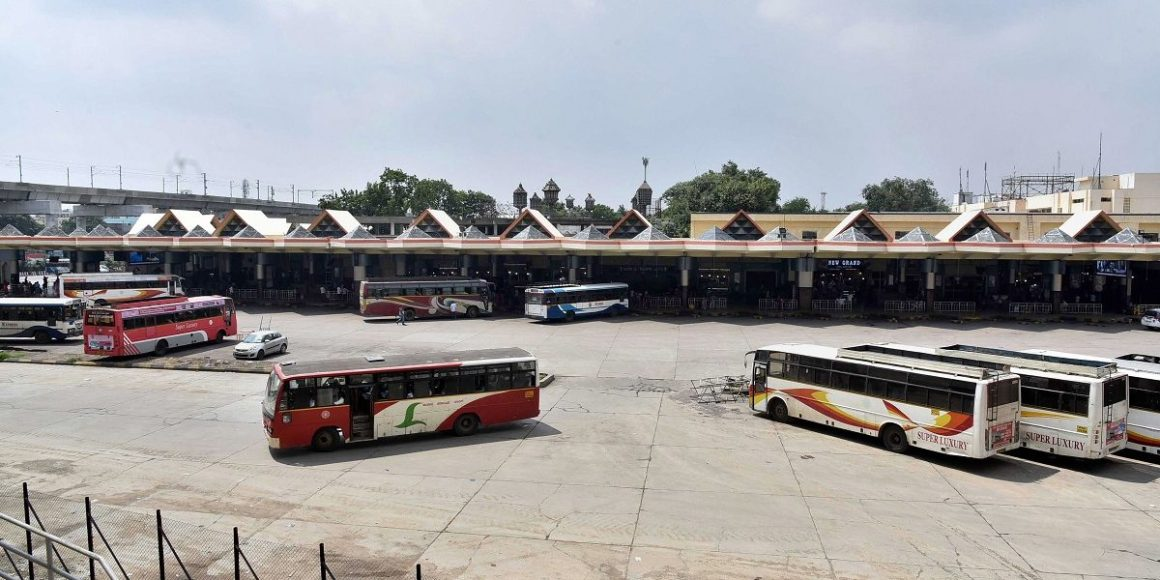 A deserted Mahatma Gandhi Bus Station in Hyderabad during TSRTC employees' strike, October 5, 2019. Photo: PTI