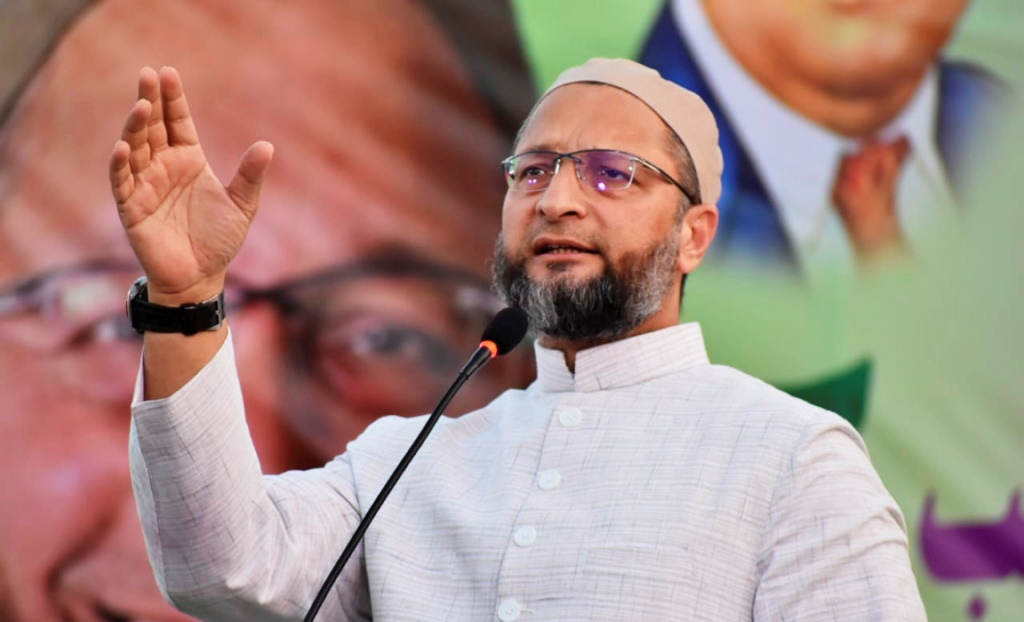 Nanded: AIMIM President Asaduddin Owaisi addresses a public meeting ahead of Maharashtra Assembly polls, in Nanded, Wednesday, Oct. 9, 2019. (PTI Photo) (PTI10_10_2019_000026B)