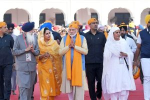Sultanpur Lodhi: Prime Minister Narendra Modi with Union Minister for Food Processing Industries Harsimrat Kaur Badal and others at Gurdwara Sri Ber Sahib in Sultanpur Lodhi, Punjab, Saturday, Nov. 9, 2019. (PIB/PTI Photo)(PTI11_9_2019_000166B)