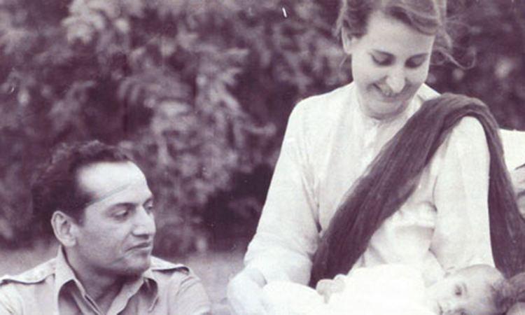 पत्नी के साथ फ़ैज़. (फोटो साभार: alchetron.com)