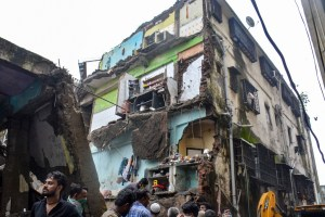 Thane: Rescue operation underway after a three-storeyed building collapsed, at Bhiwandi in Thane district, Monday, Sept. 21, 2020. Seven children and three others were killed and 11, including a four-year-old boy, rescued. (PTI Photo)(PTI21-09-2020 000030B)