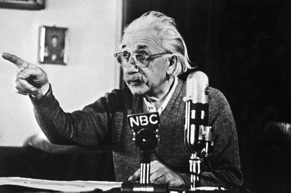 """German-born Swiss-US physicist Albert Einstein, author of the theory of relativity, declares his opposition to the """"H"""" bomb and to the arms race between the USA and the USSR in a conference 14 February 1950 in Princeton during a TV broadcast which created a considerable stir in the United States and all over the Western World.  (Photo credit should read -/AFP/Getty Images)"""