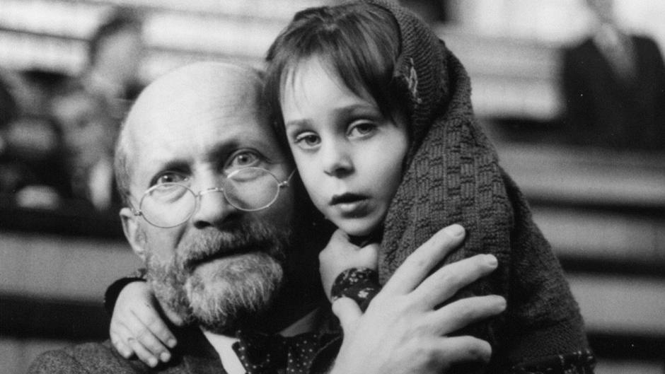 Janus Korczak: The Holocaust Victim Who Fought For Children's Rights
