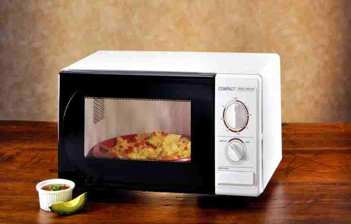 Is Microwave The Best Way To Reheat Nachos?