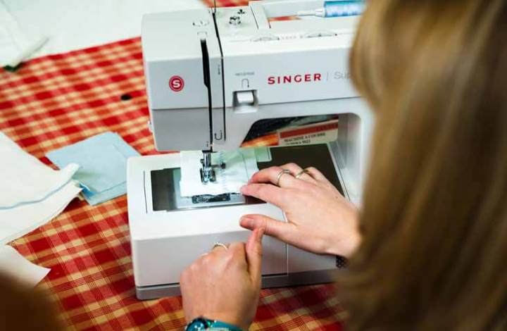 Singer 4411 vs 4423 vs 4432 vs 4452: Read Before Buying the Best Sewing Machines 2020