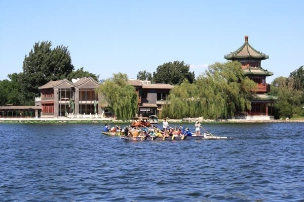Dragon Boat racing by thewoksoflife.com