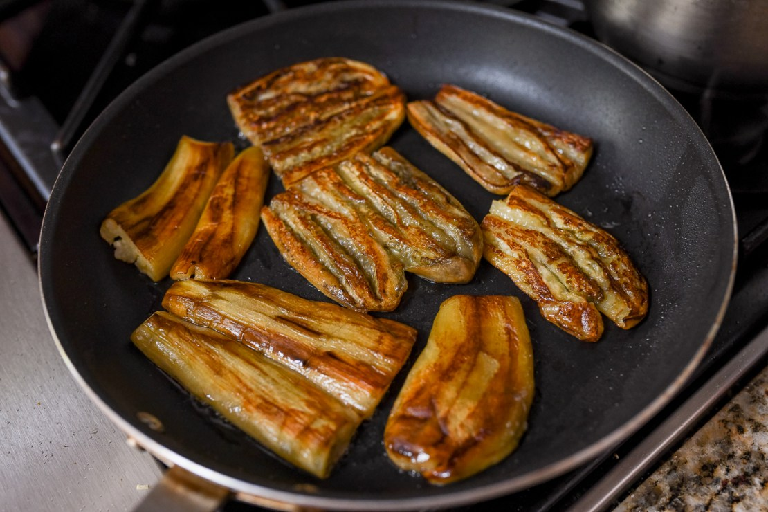 Pan-fried steamed eggplant pieces