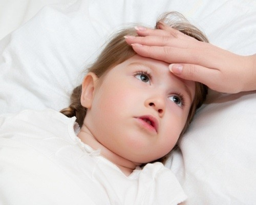 пониженная температура и головная боль у ребенка