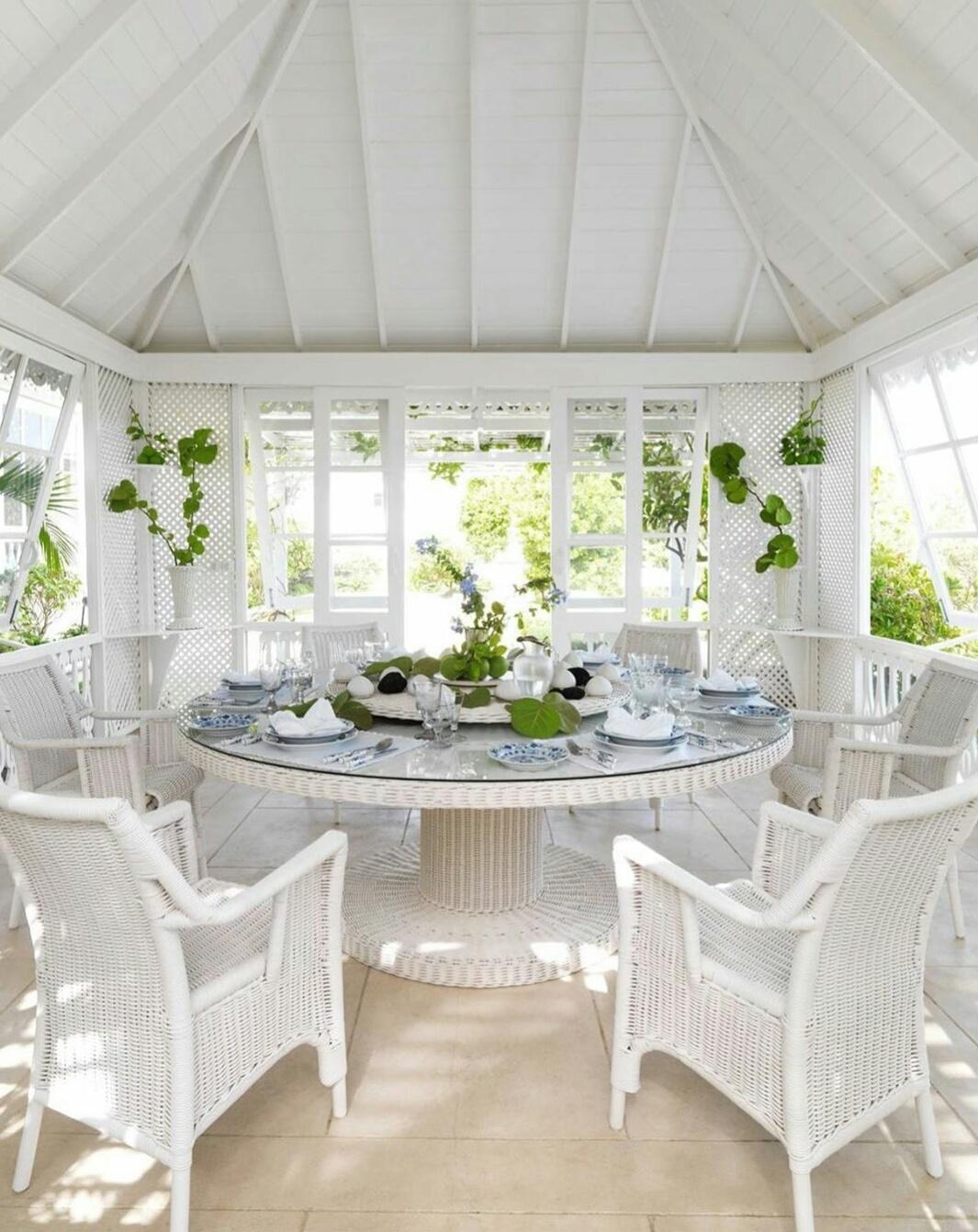 outdoor dining room decor