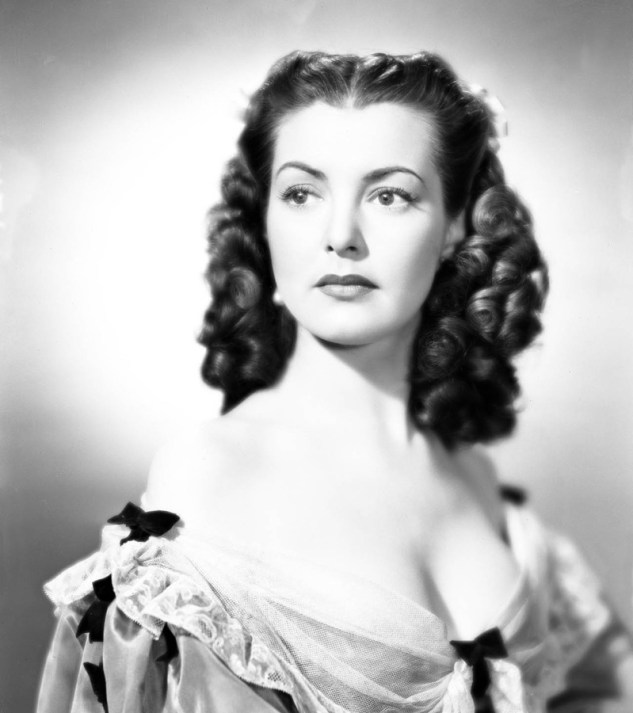 Margaret Lockwood stars as Barbara Worth, who after stealing and marrying her best friendís fiancÈ, adds some excitement to her privileged but boring life by embarking on a career as a highway robber. After meeting dashing fellow highwayman Captain Jackson (James Mason), the pair begin a passionate nocturnal affair before she turns to murder. Stars: Margaret Lockwood as Barbara Worth, James Mason as Captain Jerry Jackson, Patricia Roc as Caroline, Michael Rennie as Kit Locksby Director: Leslie Arliss