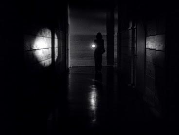 critique-le-secret-derriere-la-porte-lang14