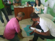 Enthusiastic attendees at the sea turtle stranding training