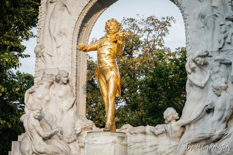 Johann Strauss Statue in StadtPark, Vienna