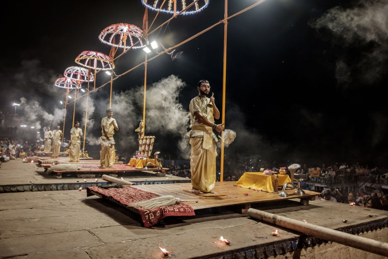 India Varanasi 080