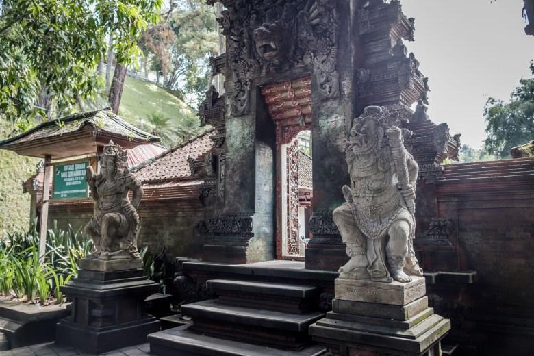Indonesia Tirta Empul 19