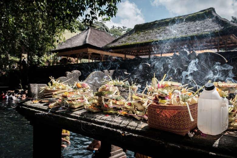 Indonesia Tirta Empul 24