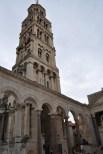 Clocher de la cathedrale de split dans le palais de diocletien en croatie