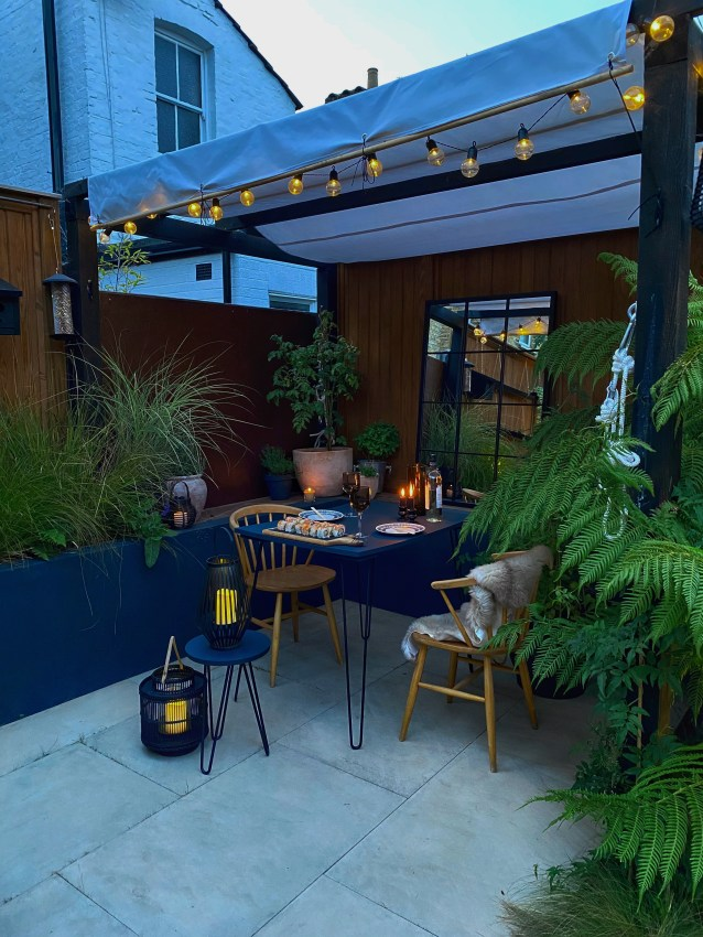 Use your garden table for a romantic date night.