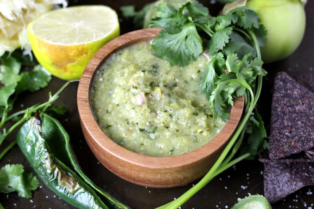 Roasted Salsa Verde - amazing salsa recipe! thewoodenskillet.com #foodphotography