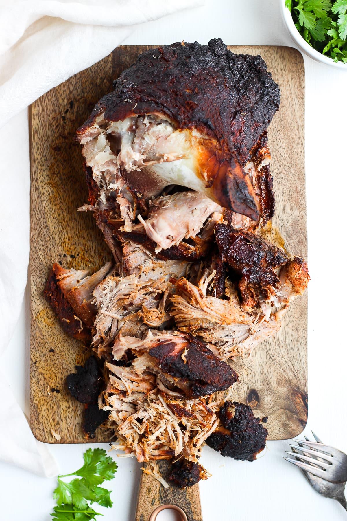 Smoked Pork Shoulder - your go-to smoked pork shoulder tutorial in an electric smoker! #smokedporkshoulder