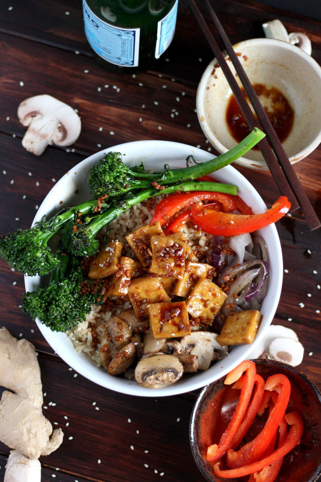 Brown Rice Tofu Bowl + Roasted Vegetables and Soy, Ginger, Garlic Sauce. thewoodenskillet.com